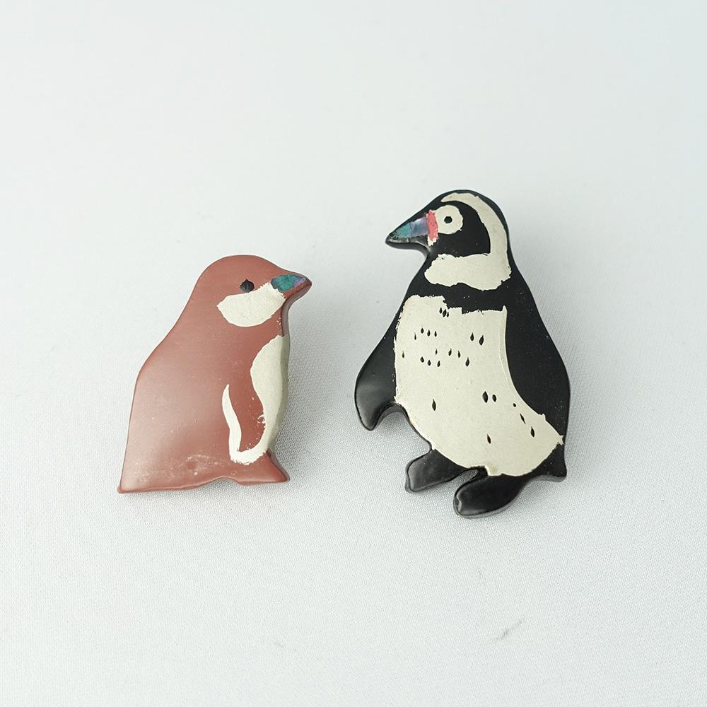 フンボルトペンギン親子 漆ブローチ